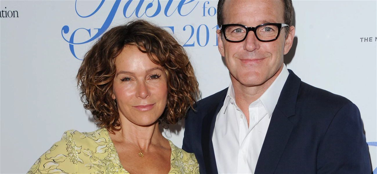 'Dirty Dancing' Star Jennifer Grey's Husband Files For Divorce After 19-Years Of Marriage