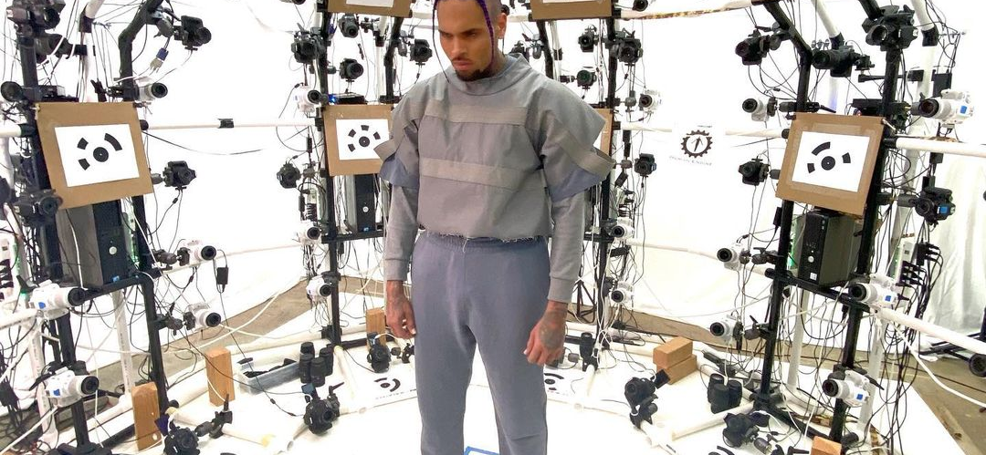Chris Brown: Aliens Will Help Us 'Break Free' From Our 'Mental Cage'