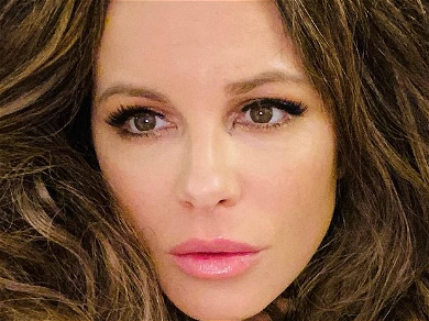 Kate Beckinsale Shares Unbelievably Gorgeous Face Selfie With Bad Boxing Day Joke