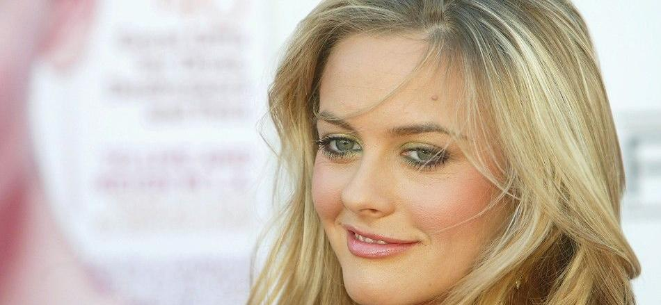 Alicia Silverstone Exposes Bare Booty Cleaning Up Puppy Pee Off The Floor