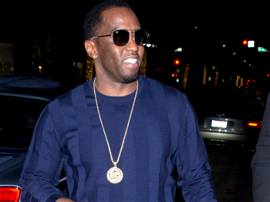 Diddy Spotted Making Out With Austrialian Model Tina Louise!!