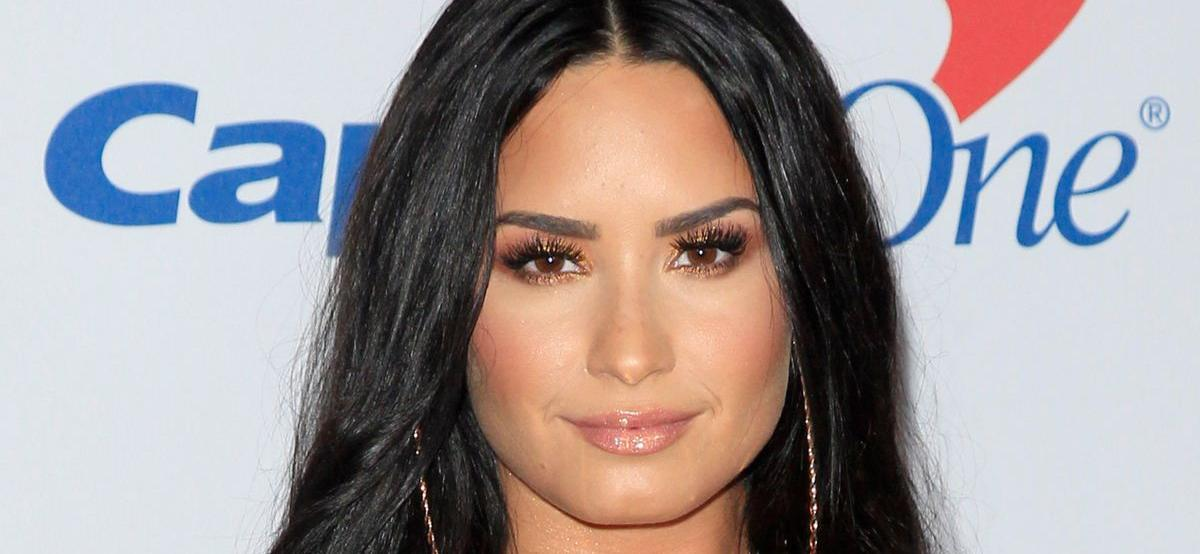 Demi LovatoExplains What It's Like Being 'A Breadwinner'