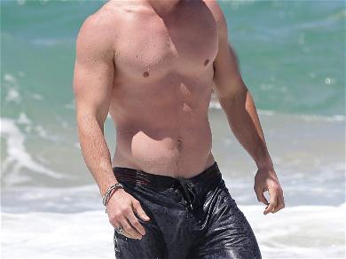 Chris Hemsworth's Beach Body
