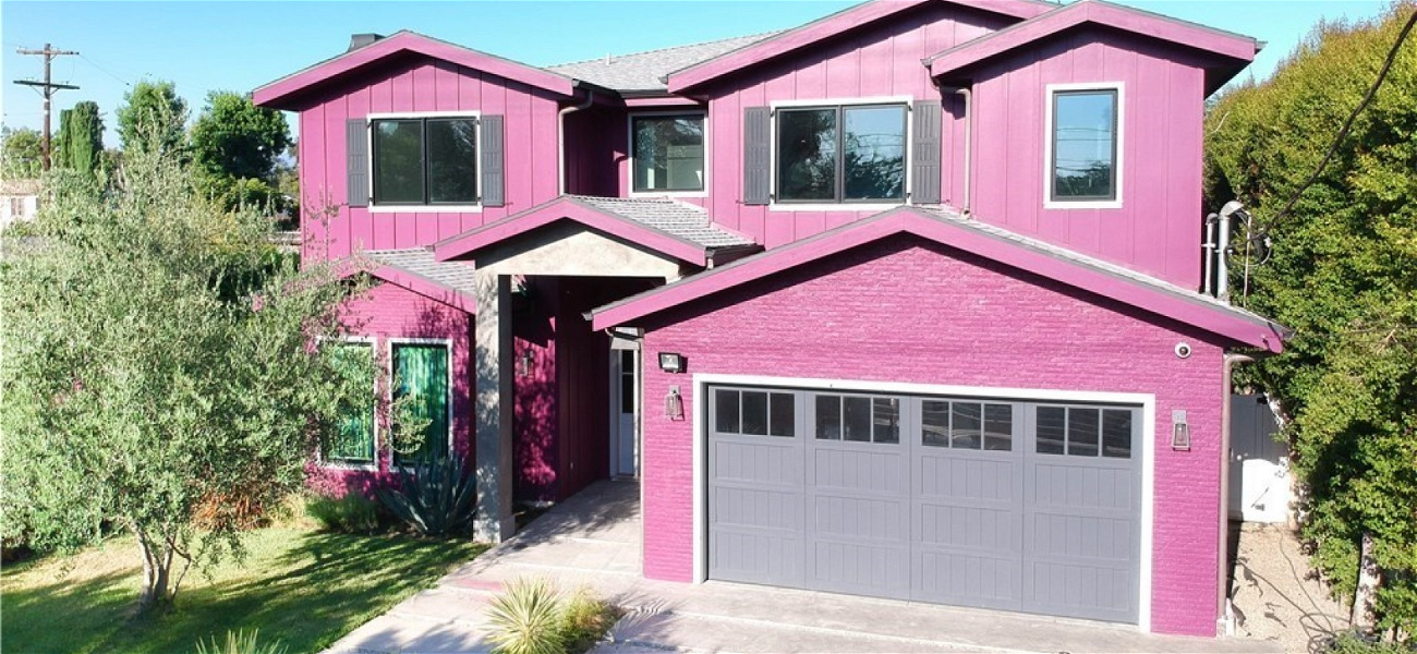 Bella Thorne Is Selling Her HOT PINK House For $2.5 Million — See The Crazy Photos!!