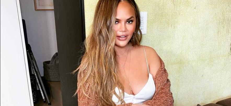 Chrissy Teigen Gets Brand New Tattoo While Topless With John Legend