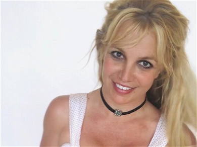 Britney Spears: My Favorite Food Is Chili Dogs!! — See The Pop Princess Answer Fan Questions!