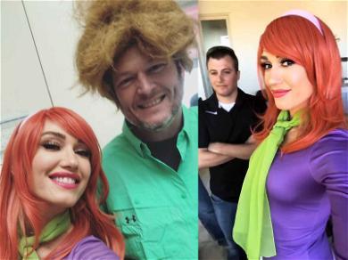Zoinks! Gwen Stefani and Blake Shelton Dress Up as 'Scooby-Doo' Stars