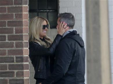 Christina El Moussa Kisses Her Boyfriend on Vacation! Click to See the El Smoocha ?