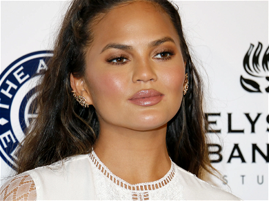 Chrissy Teigen Apologizes To Courtney Stodden 'I Am Mortified, And Ashamed'