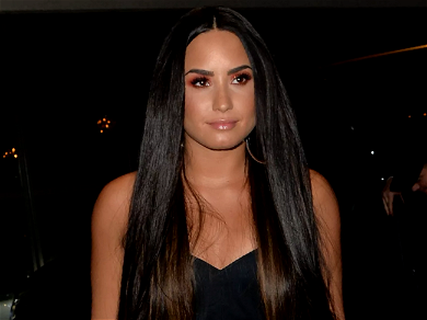 Demi Lovato REJECTED By Raya After Rehab!