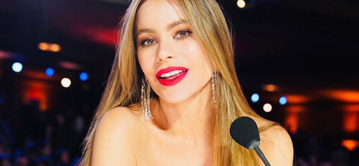 Sofia Vergara Goes Topless In Thirsty Summer Throwback!
