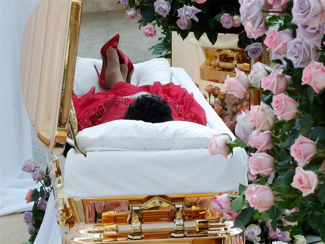 Aretha Franklin casket