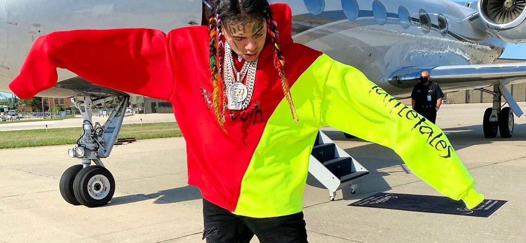 Tekashi 6ix9ine Gets WARNING After Continuing To Troll Gang Members, 'You're Playing With Fire!'