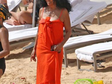 Diana Ross and Family on Vacation in Hawaii