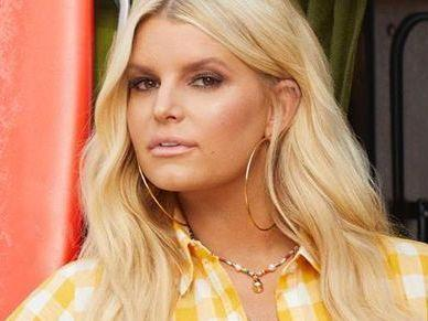 Jessica Simpson Opens Up With Classy Thigh Gap
