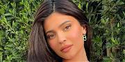 Kylie Jenner Makes Gender Statement In Flesh Undies