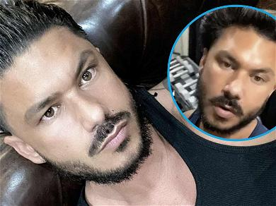 Pauly D Sports Natural Curly Locks Without Signature Hair Gel