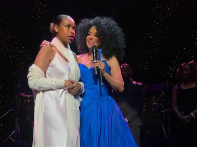 Jennifer Hudson Gets Pulled Onstage By Diana Ross For Surprise Performance!