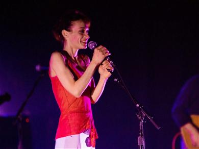 Fiona Apple Slams Grammys, Gets Candid About Her Album