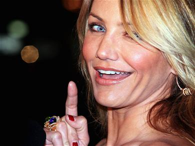 Cameron Diaz Is Back On Instagram With A Red Lip Selfie