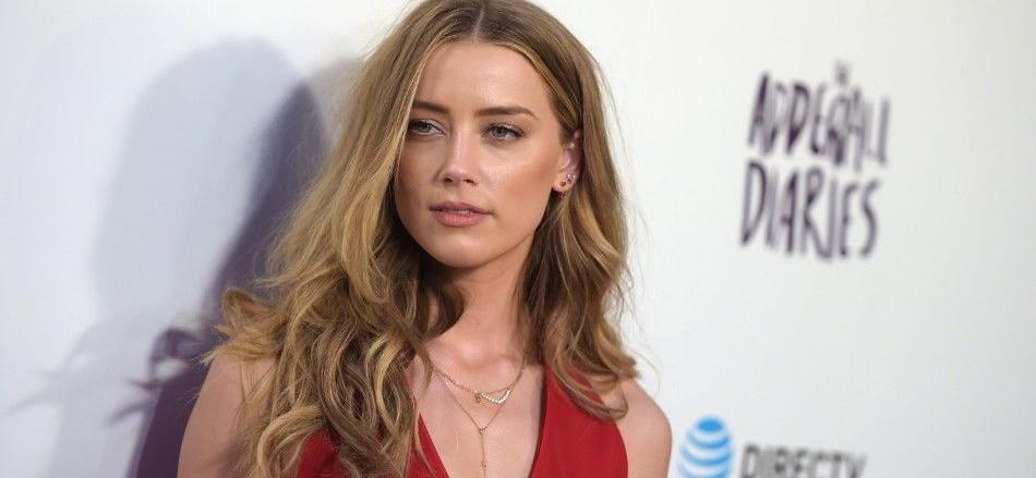Amber Heard Tests Out Lesbian Erotica On Instagram