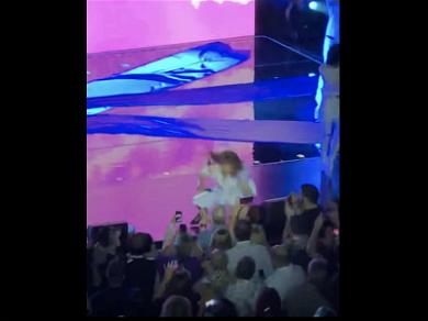 Paula Abdul Falls Off the Stage During Mississippi Concert
