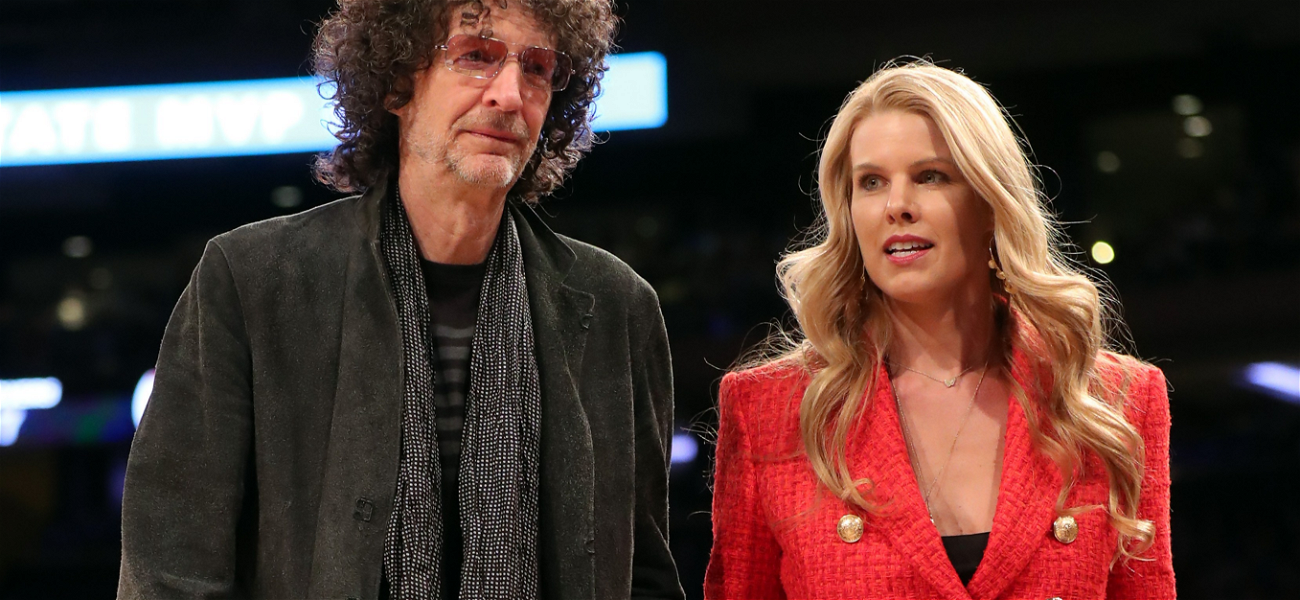 Howard Stern's Wife Shares 'Crazy Cat Lady' Family Christmas Card