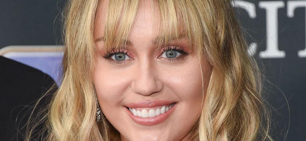 Miley Cyrus Shirtless Without Bra For Cowgirl Surprise