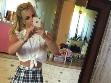 Britney Spears Hits Us Baby One More Time In Schoolgirl Outfit