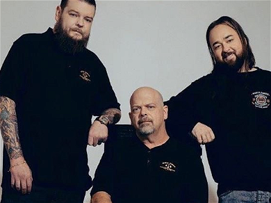 'Pawn Stars' Star Corey Harrison Refuses To Wear COVID-19 Mask In Vegas, Legal Or Not!!