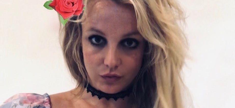 Britney Spears Reminds Instagram 'Baby Got Back' In String Bikini