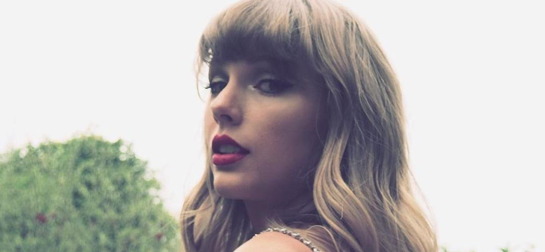 Taylor SwiftAccepts Golden Icon Award At Brit Awards 2021