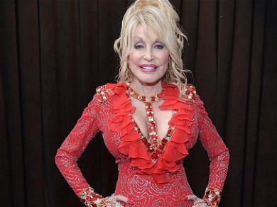 Dolly Parton Shows Off Her Stunning Curves While Wishing Willie Nelson A Happy Birthday!