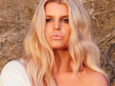 Jessica Simpson Pantless In Field Showing 100-Pound Weight Loss