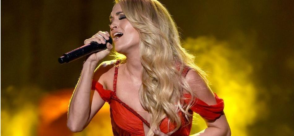 Carrie Underwood Flaunts Mind-Blowing Workout Body In Spandex Sweat Session Video