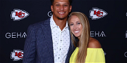 Patrick Mahomes' Hot Fiancee Flaunts Growing Baby Bump On Game Day!