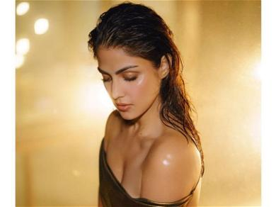Rhea Chakraborty Debuts First Public Appearance Since End Of Jail Term