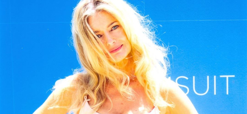 Paulina Porizkova Imitates Britney Spears With Iconic Sexy Crop Top