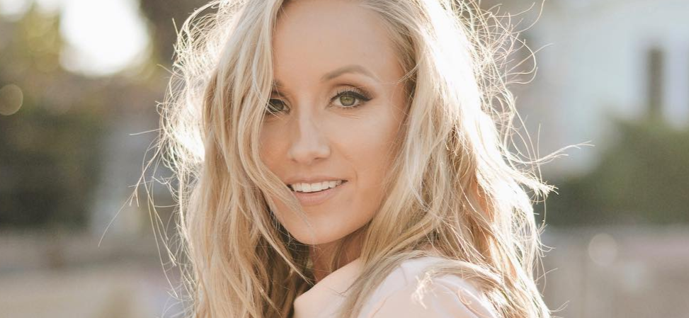 Gymnast Nastia Liukin Scores Perfect 10 With Olympic Butt Lift