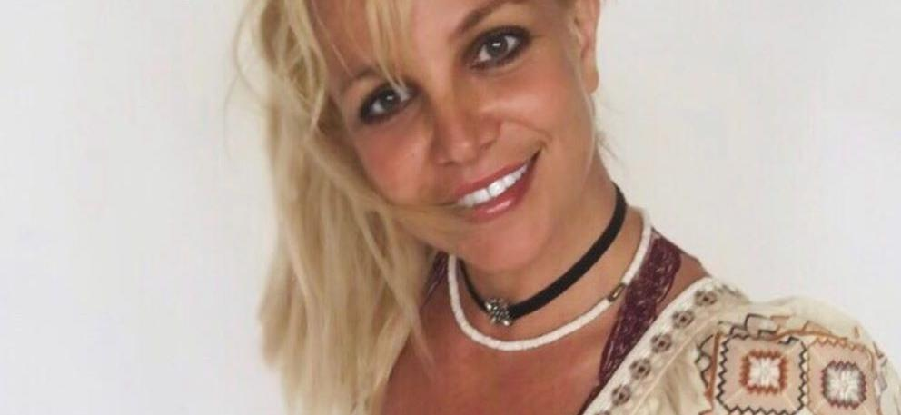 Britney Spears Brings Weekend Energy In Unbuttoned Knotted Shirt