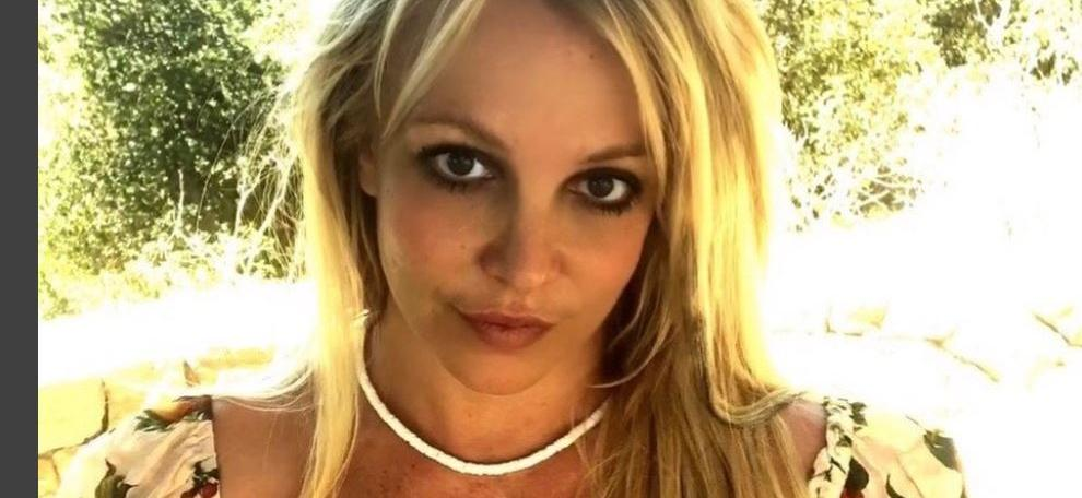 Britney Spears Burned Down Her Home Gym & Everyone's Freaking Out