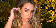 Sommer Ray Displays Tight Curves for Camouflage Christmas