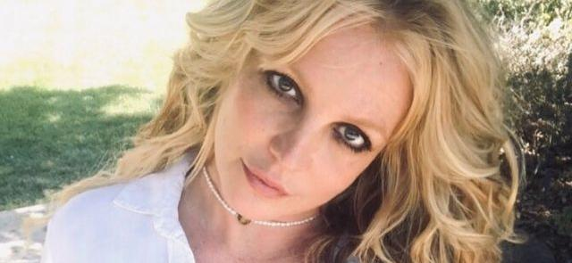 Britney Spears Highlights 'Lonely' Cafeteria Kid With Golden Heart