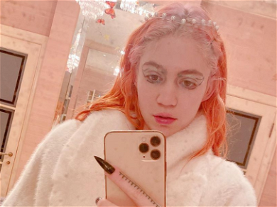 Grimes Looks Ready To Pop In New Pregnancy Pic!