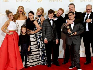 'Modern Family' Cast Hilariously Trolls Sofia Vergara Ahead of Final Season Premiere