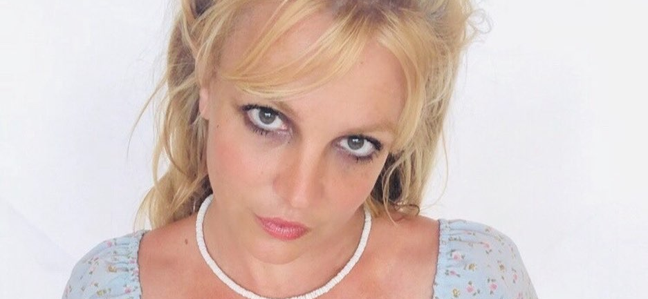 Britney Spears Gives A Sneak Peek At Her REAL Life — 'Instagram Vs. Reality'