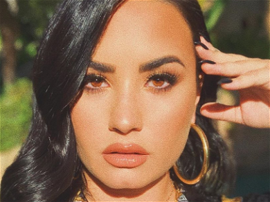 Demi Lovato Ditches Diamond Ring After Ending Engagement