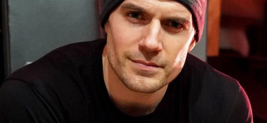 Henry Cavill Goes Instagram Official With Girlfriend,Breaking Fans' Hearts
