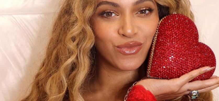 Beyoncé Breaks Instagram In All Black Outfit & Jaw-Dropping Jewelry