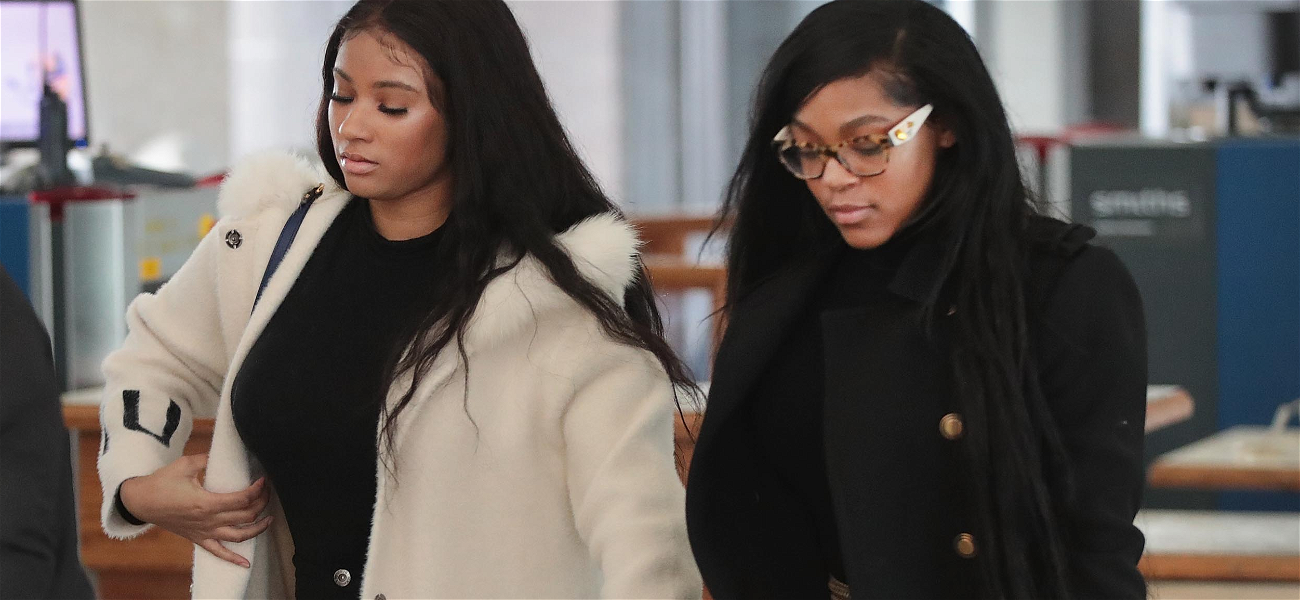R. Kelly's Girlfriends Kicked Out of Trump Tower Chicago After Singer's Arrest